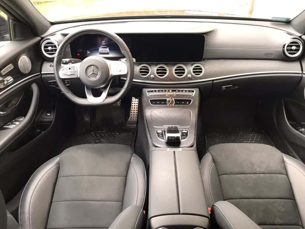 Limousine with driver hire Mercedes-Benz E-class interior