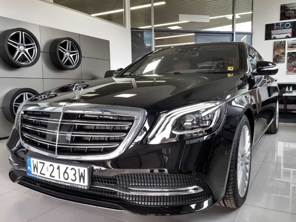 Limousine with driver hire, front of the black luxury limousine Mercedes-Benz S-class