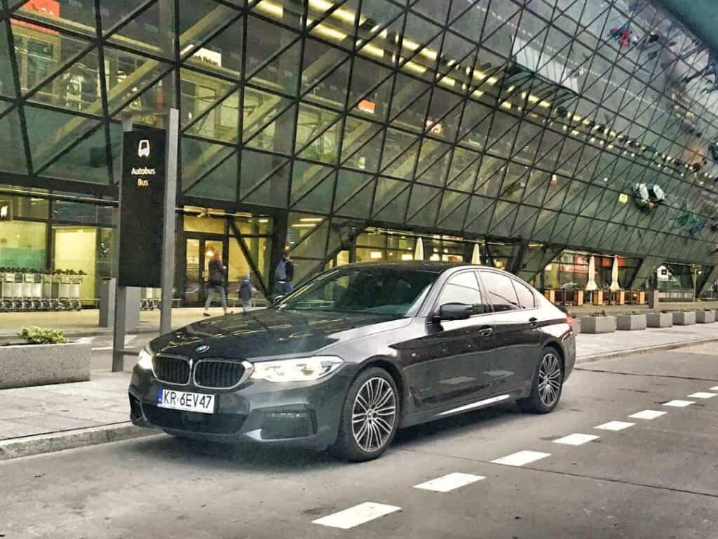 Limuzyna na wynajem na lotnisku Krakow Balice BMW Serii 5