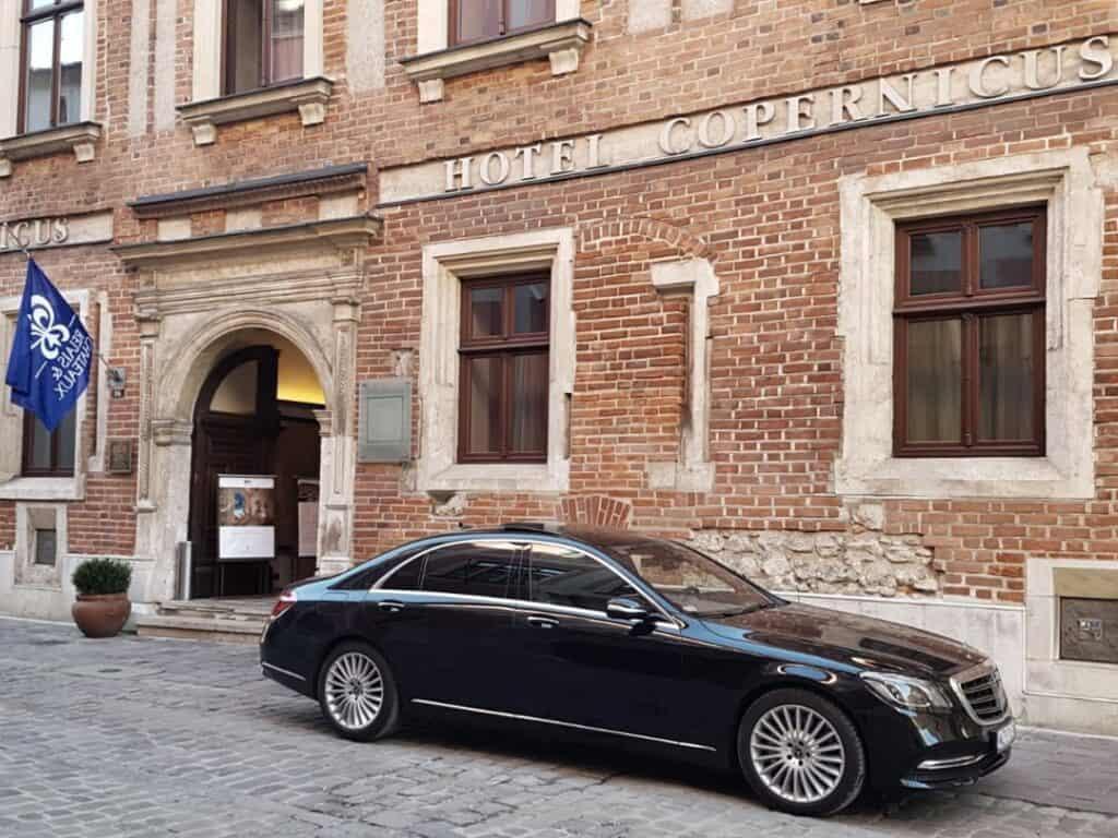 Limuzyna Mercedes-Benz S-klasa na wynajem Kraków Hotel Copernicus