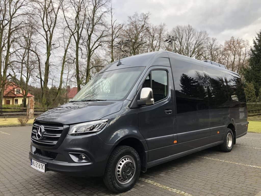Nowy Minibus Mercedes-Benz Sprinter VIP na wynajem z kierowcą Kraków
