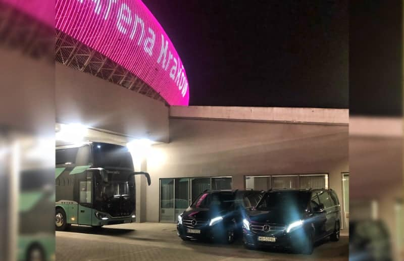 VIP transport during a concert in the Tauron Arena Krakow. Rent a car with a VIP driver in Poland.